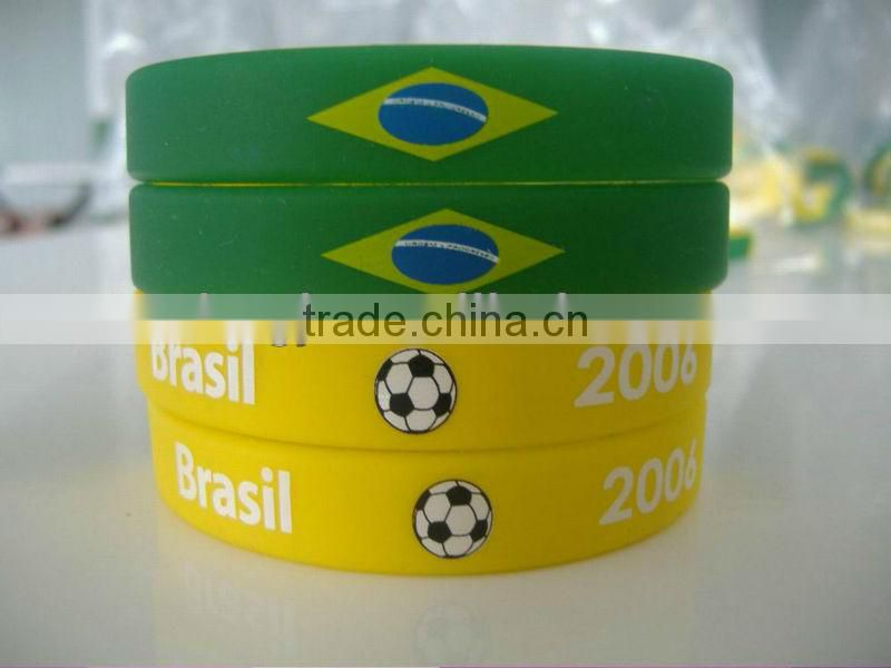 customized any color logos fashionable silicon rubber wristband