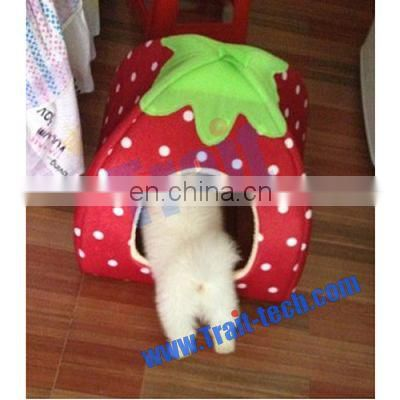 New Cute Strawberry Style Design Detachable Pet House Soft Pet Dog Bed