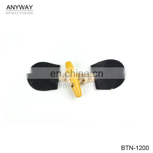 Elastic cord toggles for men coat