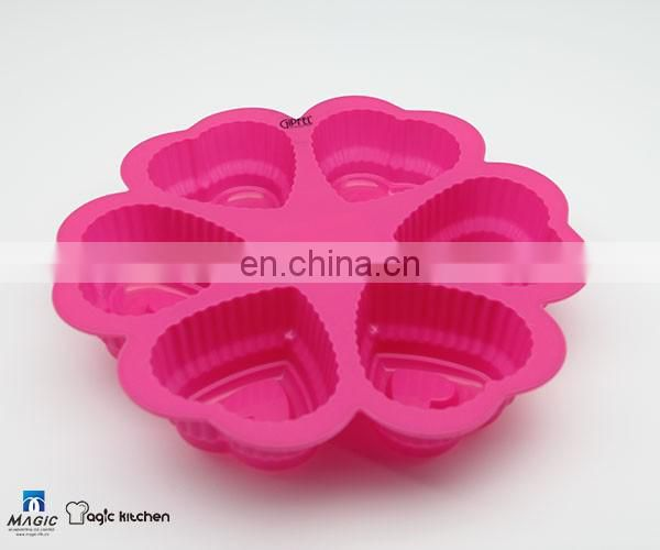 6 Cavities Heart-shaped Silicone Baking Mould Costomized Color