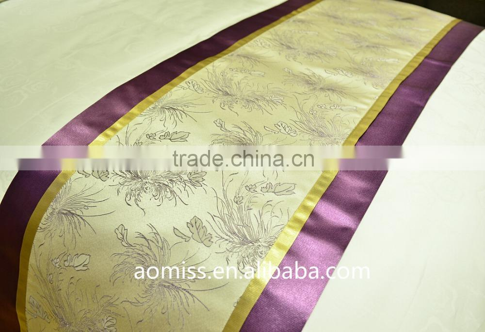 High quality 100% polyester permenant flame retardant hotel bed runner bed scarf bed throw