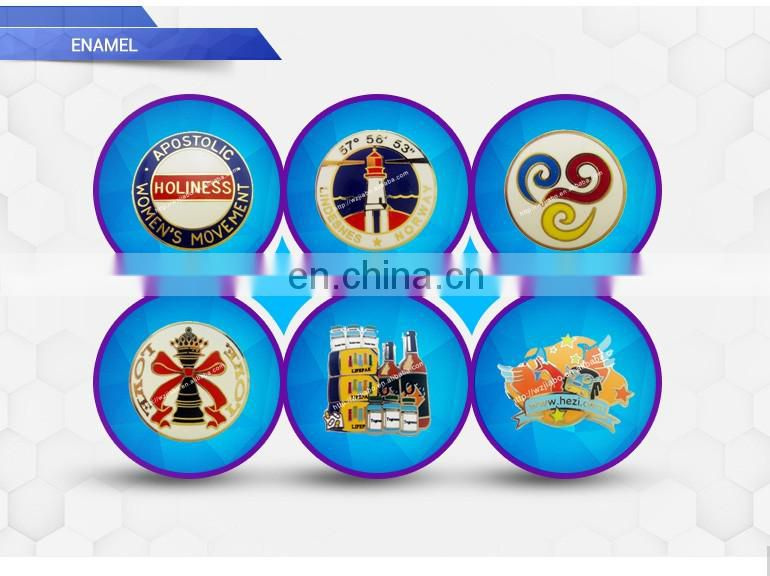 custom zinc plating embossed souvenir plate with wooden base