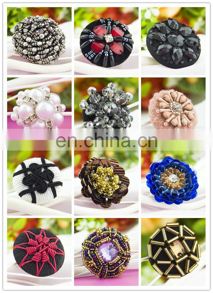 Famous Chinese knot partten fashion beaded coconut button
