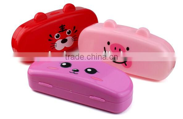 plastic glasses case