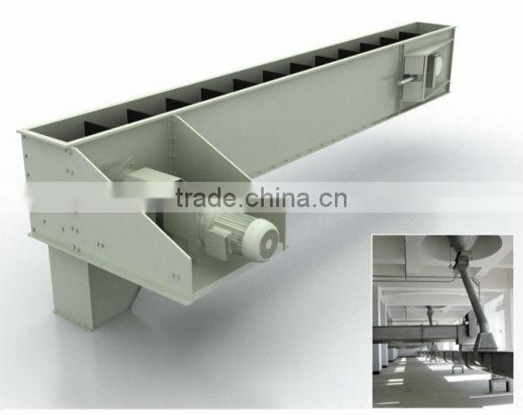 Embedded scraper chain conveyor