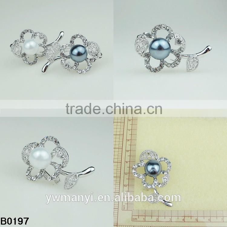 Antique Style Female Vintage Brass Plated Blue Rhinestones Crystals Pearls Flower Petals Leaves Brooches Pin Clips B0197