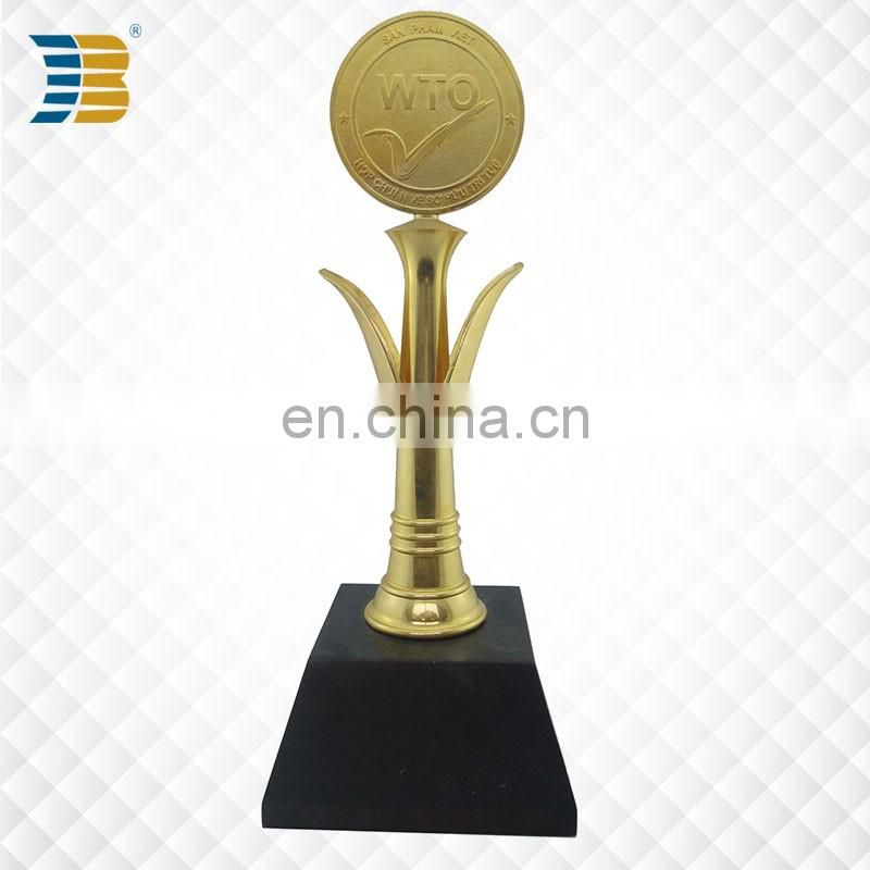 bud shaped high quality custom gold plating trophy with wooden base