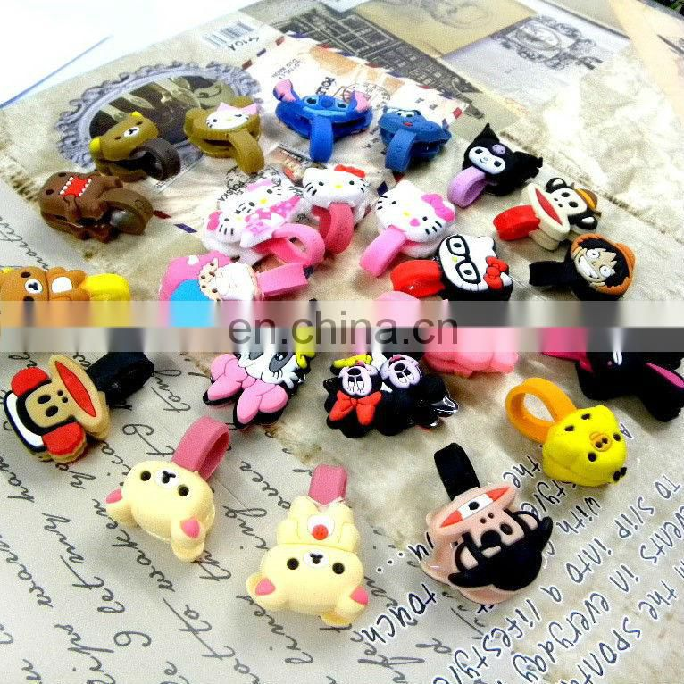 Cute soft PVC kitty head design magnetic earphone holder