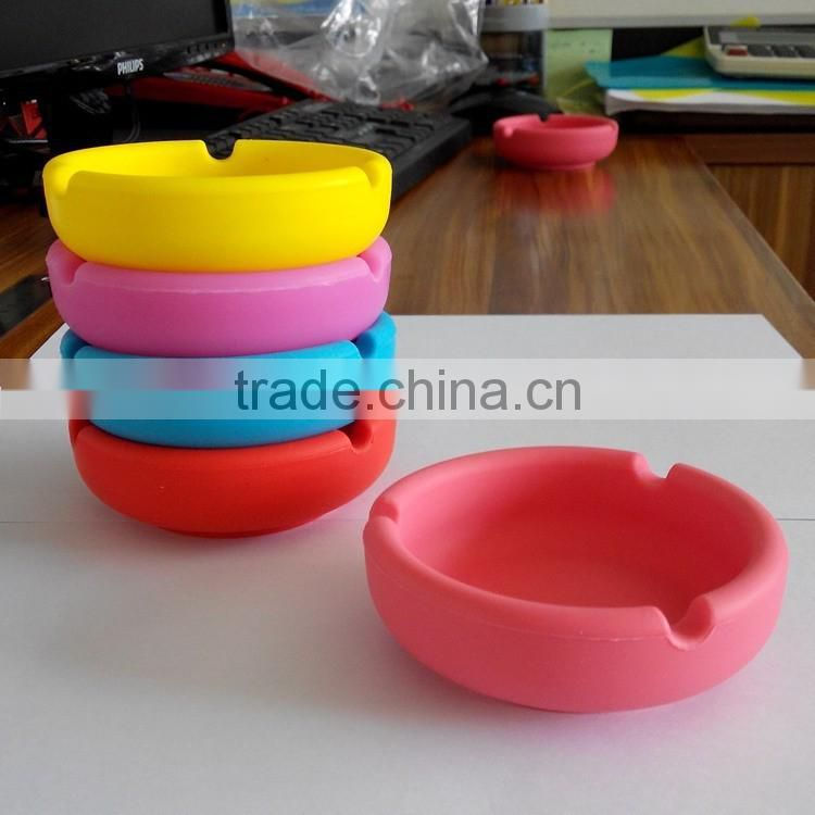 factory customize round outdoor portable silicone smokeless pocket ashtray