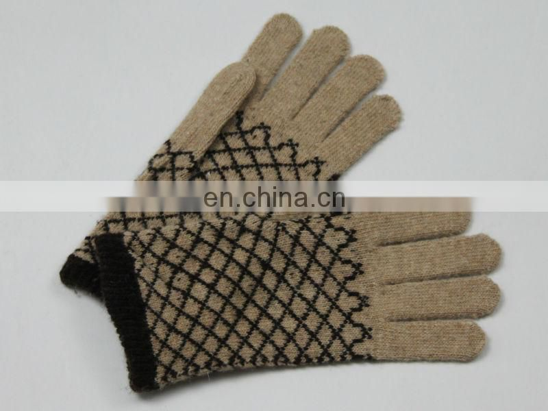 2013-2014 fashion touch gloves.