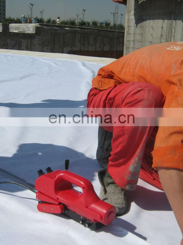 Hot geomembrane wedge welding machine
