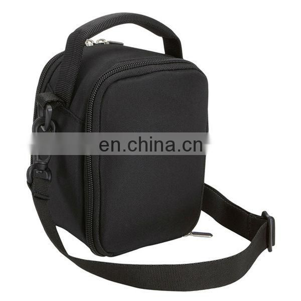 Portable digital camera assistant bag with professional design
