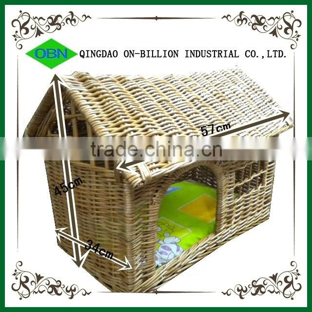 Hand knitting rustic dog and cat house wicker pet bed