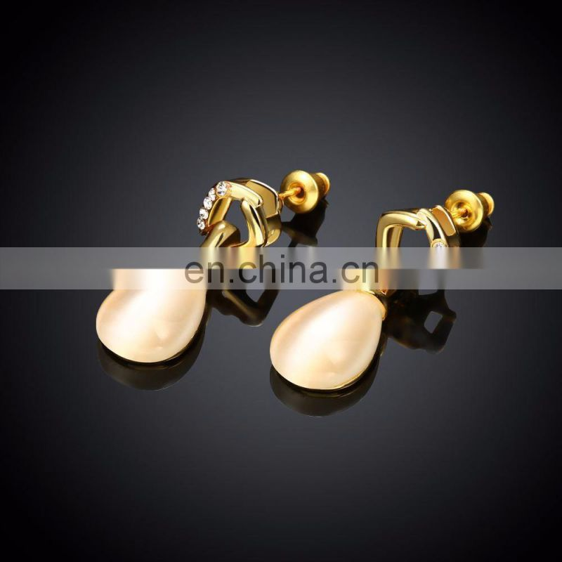 Latest hanging clip on earrings women jewelry