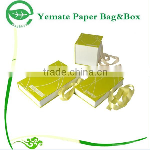 Rigid Custom Cardboard Suitcase Folding Gift Box with Magnets Baby Clothing Wholesale Boxes