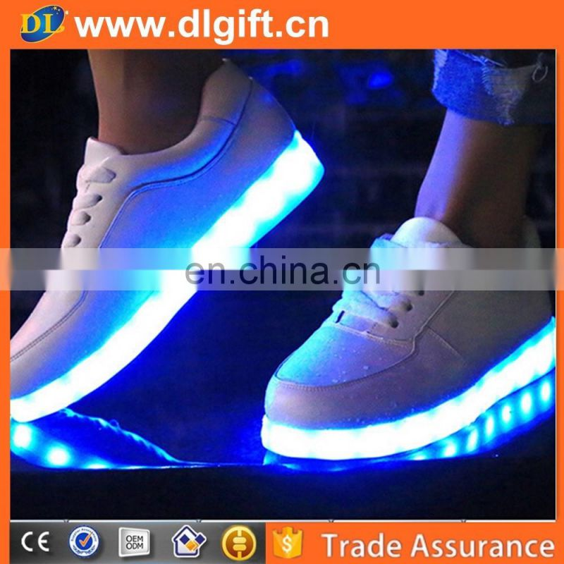 Wholesale Luminous LED Shoes For Adults New Simulation Sole Glowing Shoes