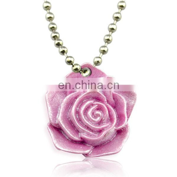 Beautiful design new fashion metal charms