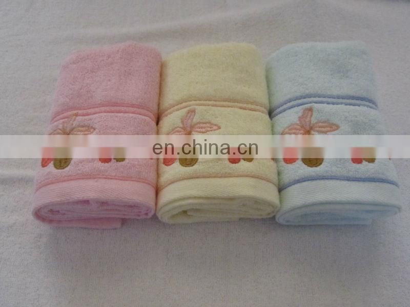 Hot sale cheap price 100% Cotton Comfortable towel soft handle suit for baby use