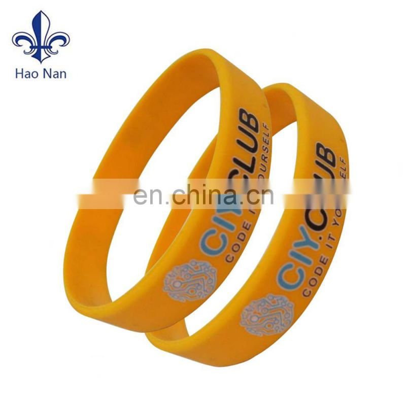 Cheap item silicone Wristband with customized design logo