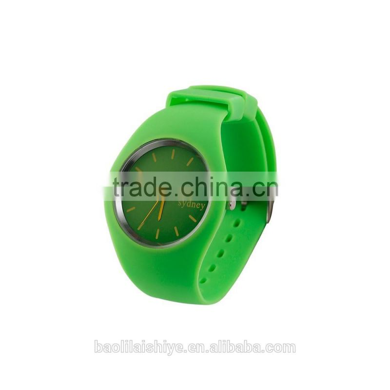 5ATM waterproof silicone unisex wristwatch 2017