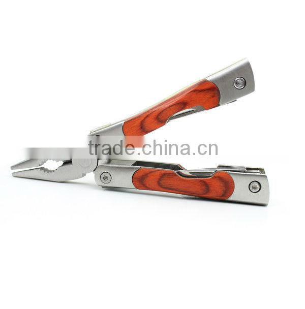 Sturdy durable combination plier