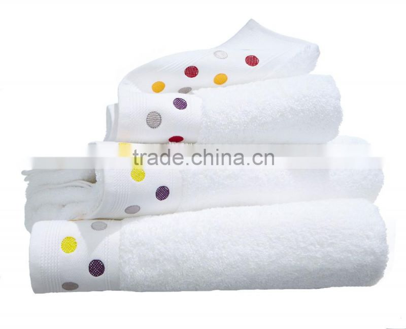 100% Soft Comfortable Thick And Big Bath Towel Hotel