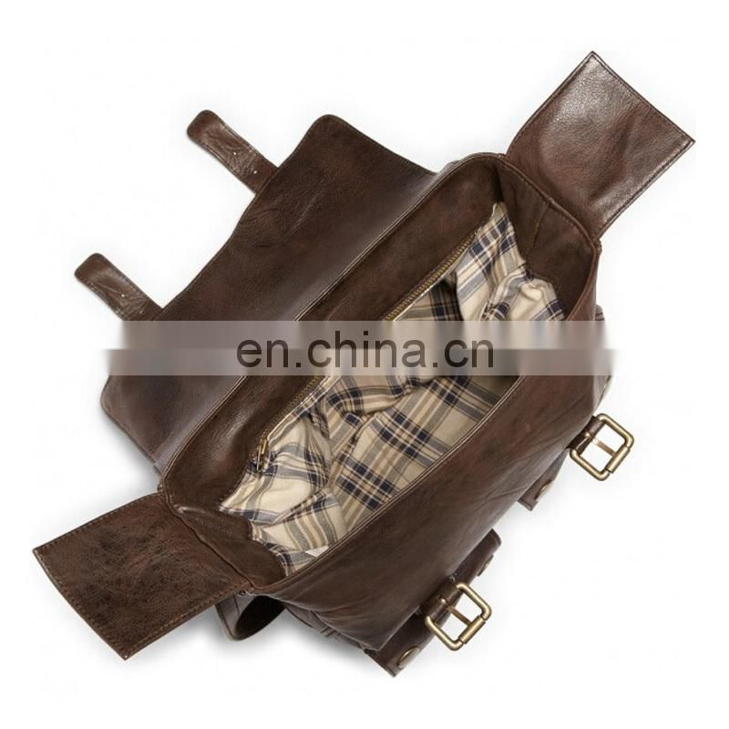 Sling brown leather messenger bag