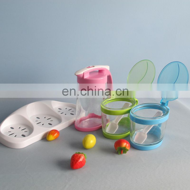 Latest design BPA free fashion glass spice bottle set