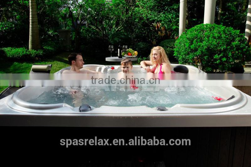 two lounge hot tub/Outdoor Bath spa