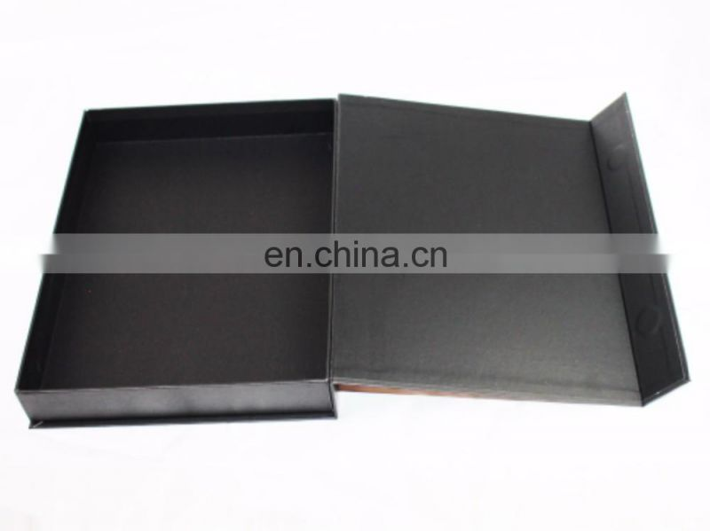 Luxury magnetic closure gift box/cardboard gift box with foam insert