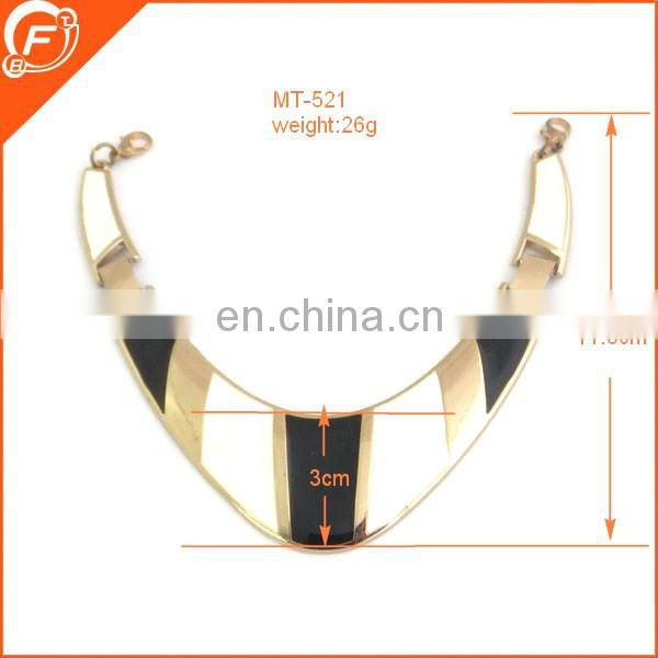 fantastic fashion nice imitation gold color moon shap metal accessory for clothes