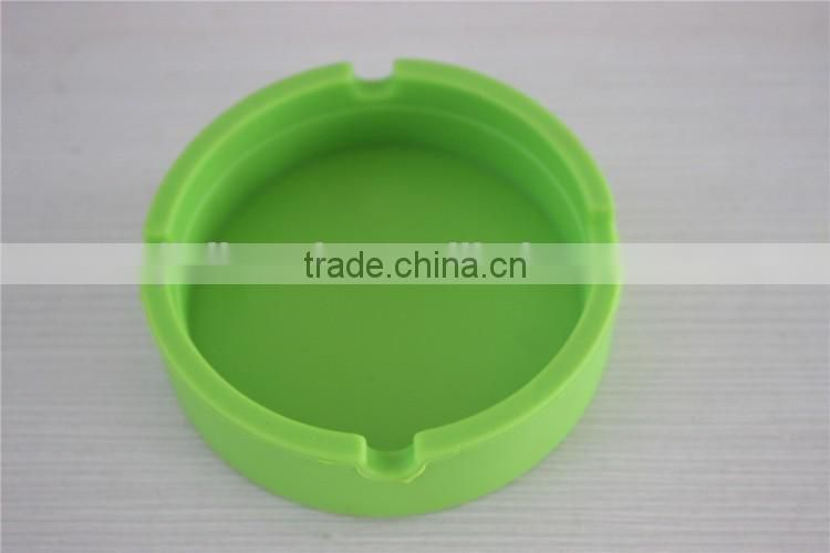 Silicone ashtray with lid