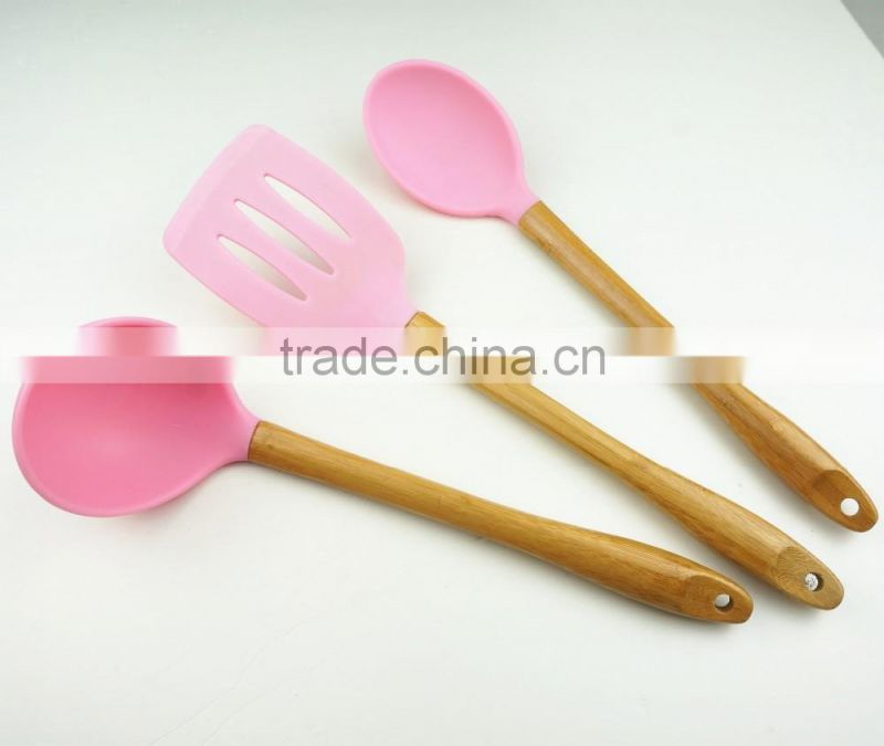 32016 Kitchen Utensils 3pcs silicone tools with bamboo handle