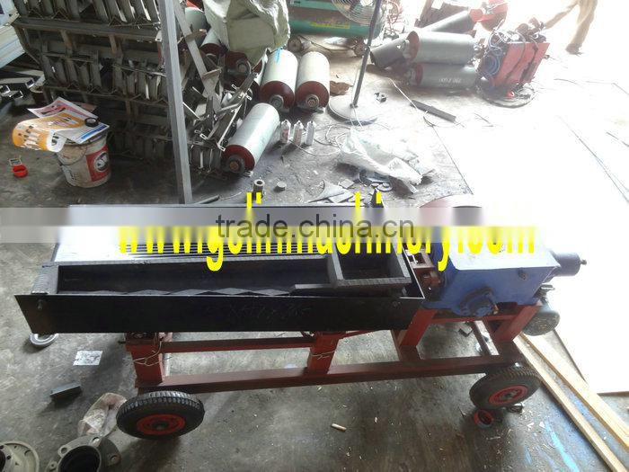 Mini mobile gold shaking table with movable wheels for small scale mining separation