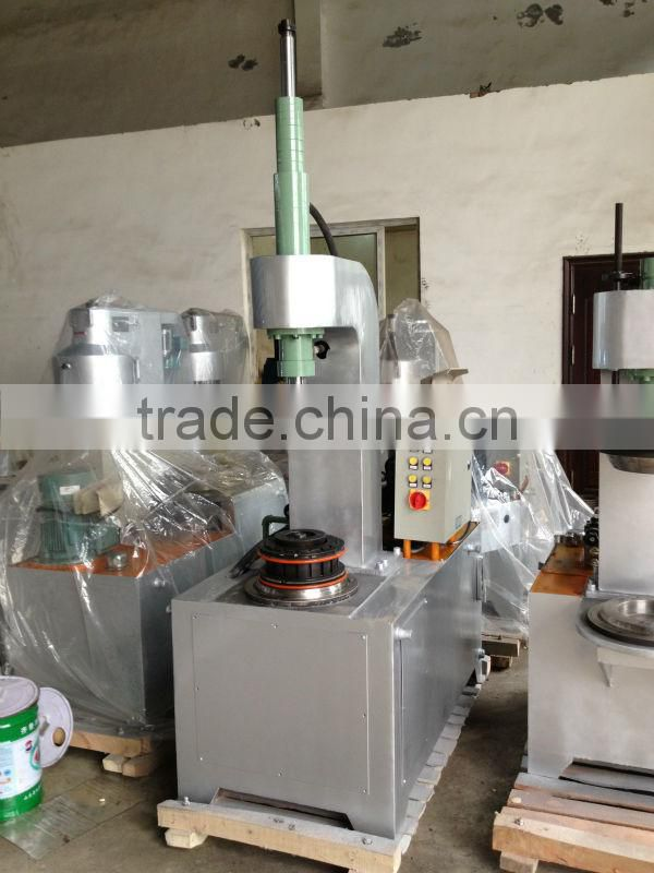 Hydraulic tinplate flanger for tin can
