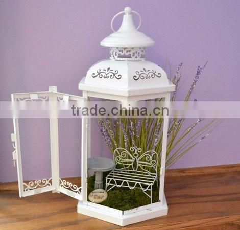 curvy shape metal & glass lantern