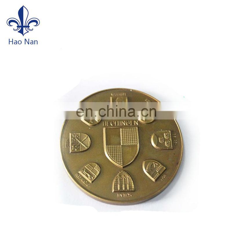Hot sale custom pin badge with fashion design