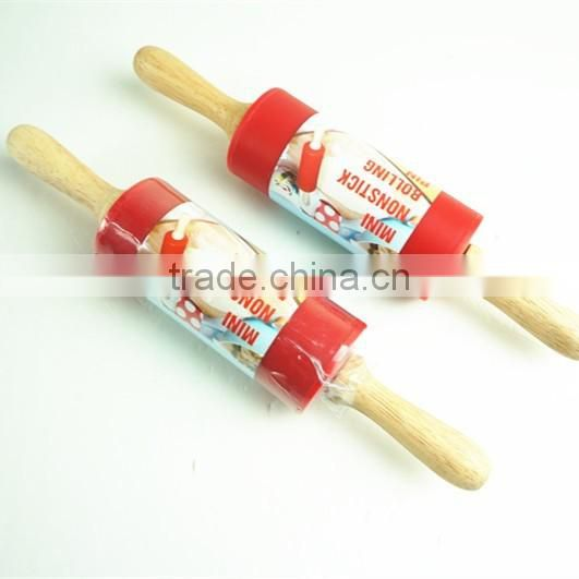 16162 Rolling Pin Non-Stick Silicone Surface Rolling Pin Wooden Rolling Pin Handl