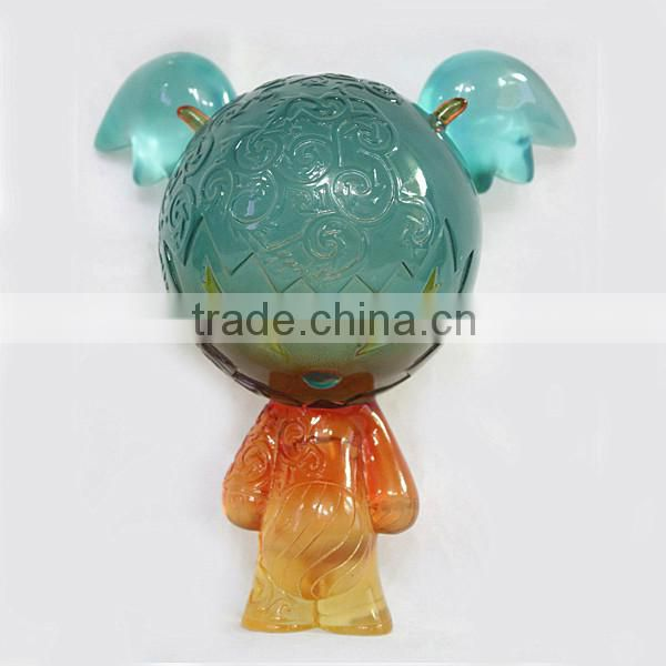 Wholesale customize 15cm clear resin bear action figurine