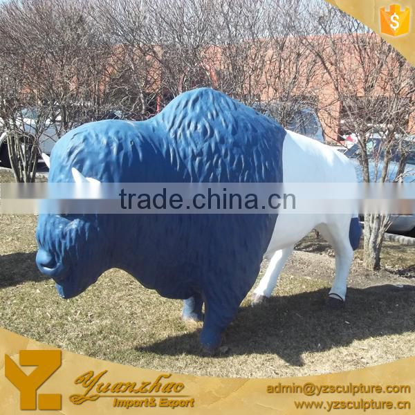 Outdoor life size polyresin wild bull sculpture for city decoration