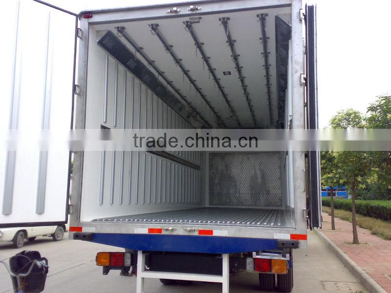 QINGZHUAN 3.3T FAW Refrigerator truck Fridge for truck China manufacturer