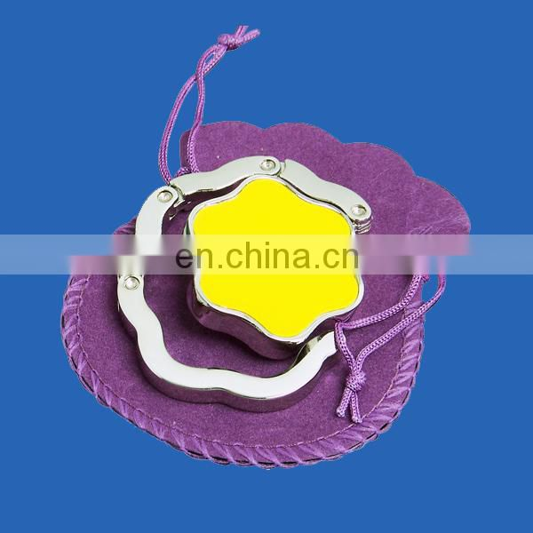 Fashion flower shaped table top bag hook