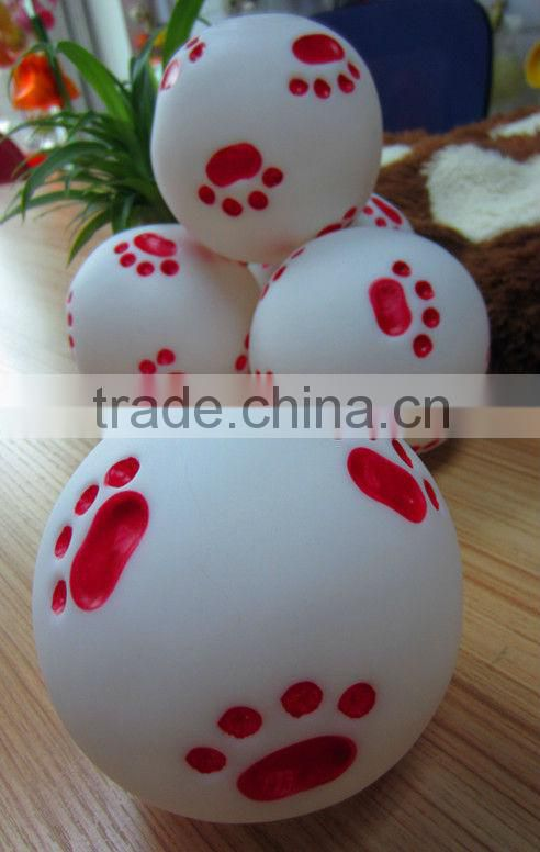 import pet animal products from china--Everfriend 9.1cm white vinyl ball with red paw print