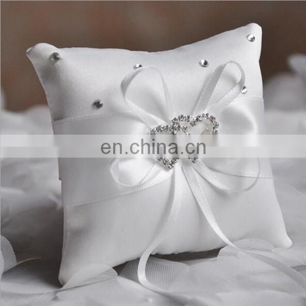 Wholesaler Factory Sell Pure Handmade Bridal Ring Pillow Satin Cloth Bow Ribbon Double Central Rhinestone Ring Bearer Pillow