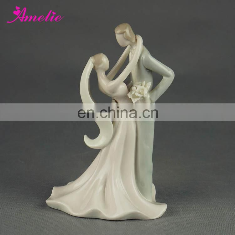 A07379 Stock Market Porcelain Bride Groom Wedding Doll Cake Topper