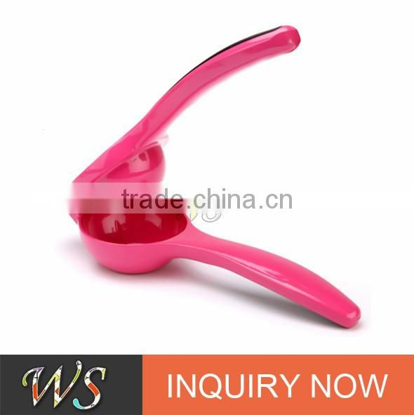 WSCCHH069 Famous and high quality lemon squeezer with silicone handles