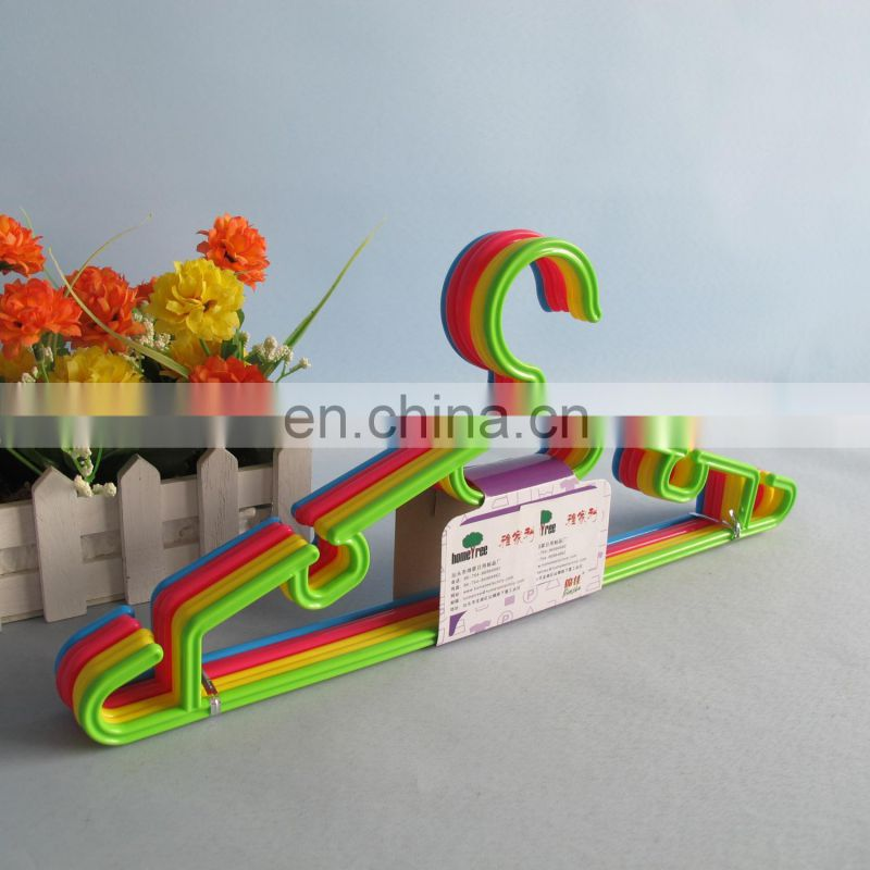 2014 new design colorful plastic cloth hanger