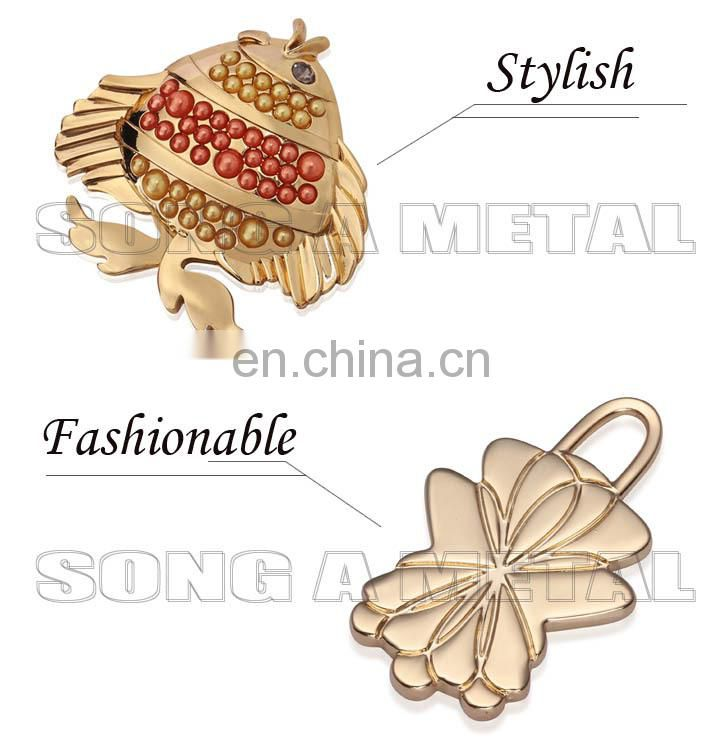 Women accessories ladies head tags fashion logo label