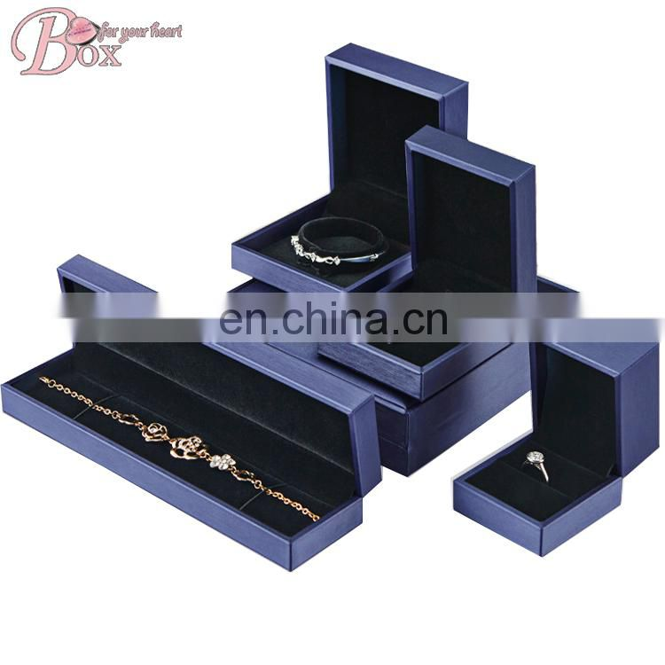 Elegant Blue Custom Square Diamond Open Fashion Jewelry Box