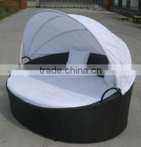 rattan round shaped bed